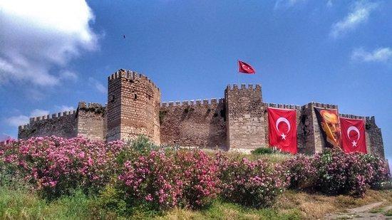Castillo de Ayasuluk kalesi en Esmirna Turquía