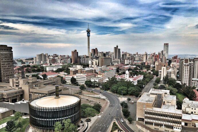 Johannesburgo de dia (Clodagh Da Paixao Unsplash)