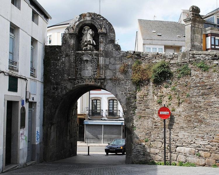 Muralla de Lugo, Porta de Santiago