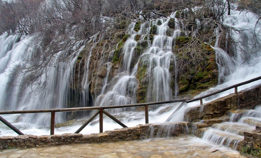 Los espectaculares saltos de agua de Nacimiento del Río Cuervo