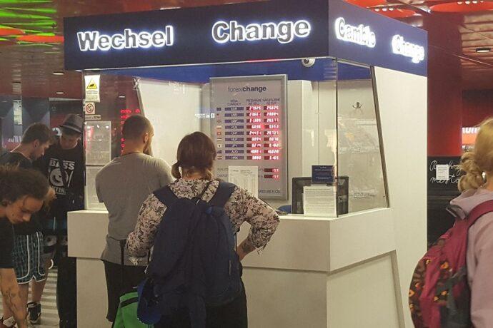 Oficina de cambio de moneda aeropuerto