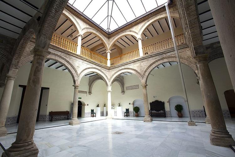Patio renacentista en el Palacio de Villadompardo