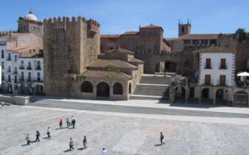 Cambio de moneda en Cáceres