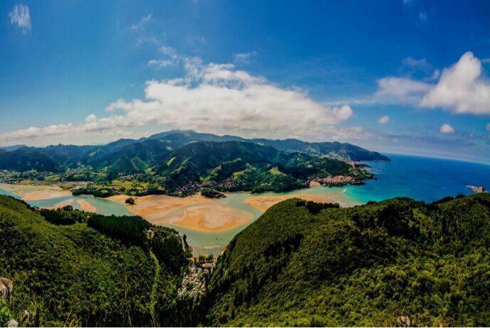 Reserva de la biosfera Urdaibai en Vizcaya