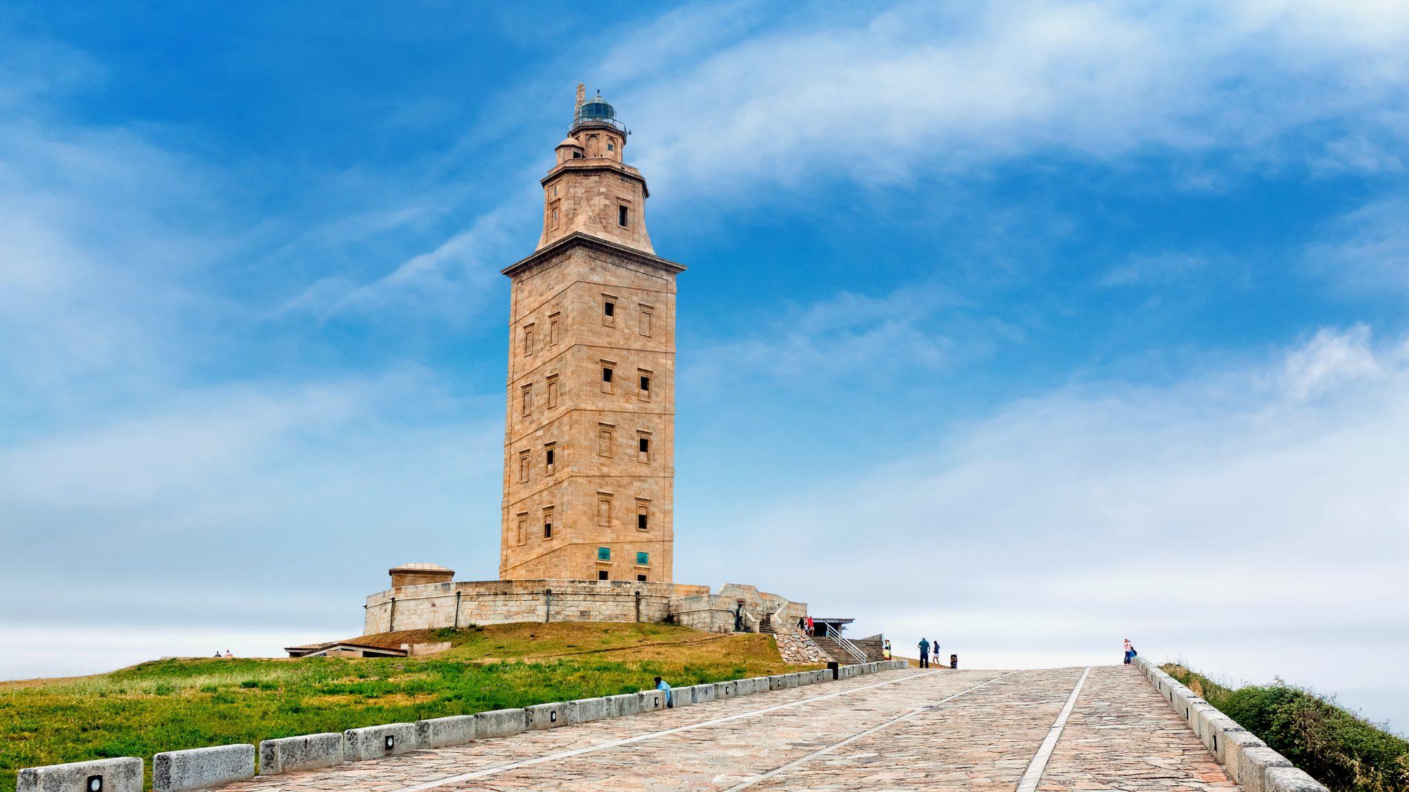 Torre de Hércules (Fuente: https://canalhistoria.es)